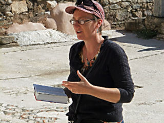 Rannfrid Thelle lecturing onsite at the ancient synagogue in Sardis, Turkey