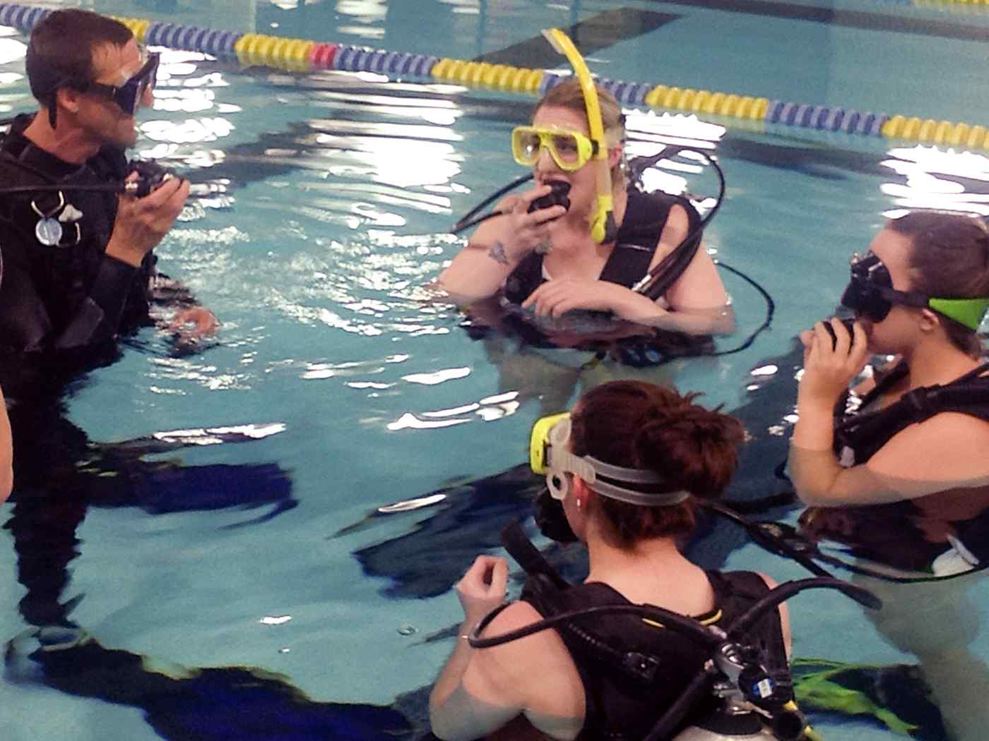 Physical Education students in scuba diving class.