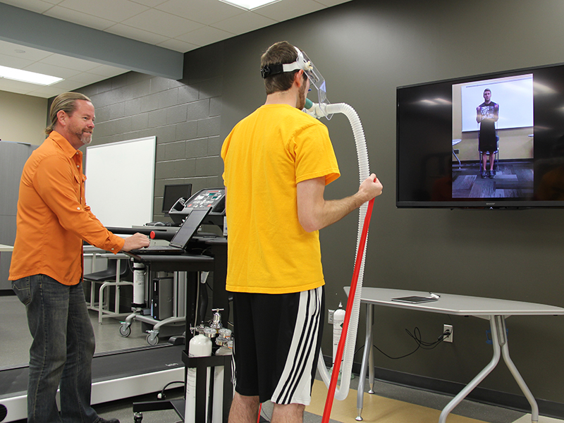 Exercise Science student performing a test in the Human Performance lab.