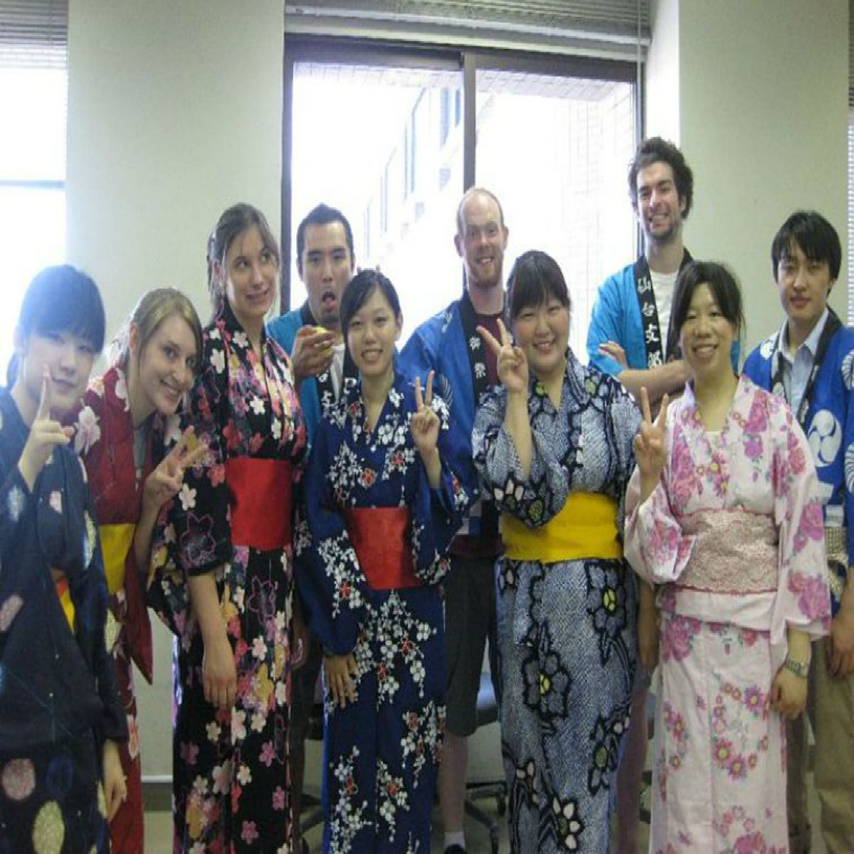 Japan AGU - Traditional Dress-u